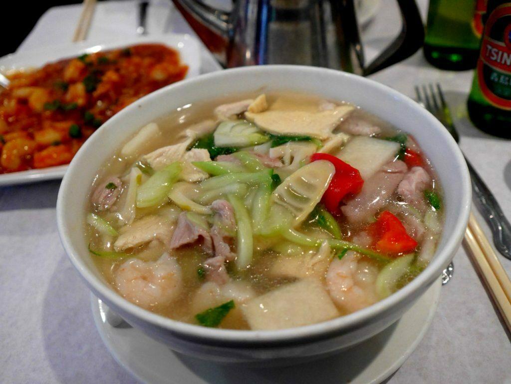 Lecker Süppchen in 456 Shangha Cuisine