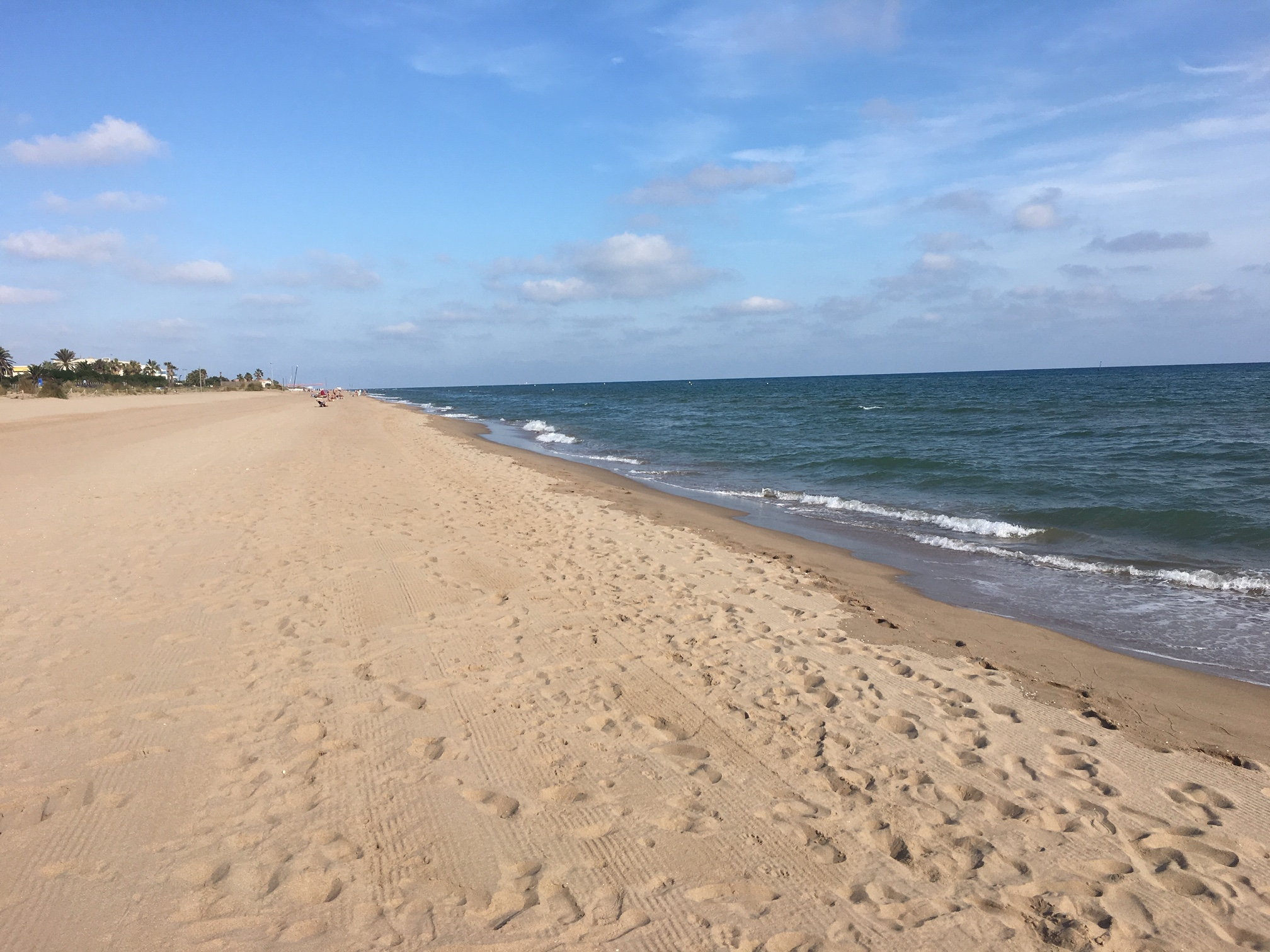 Strand in Gava- auswandern nach Spanien